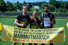 Mammutmarsch-Finisherbanner-Gruppe